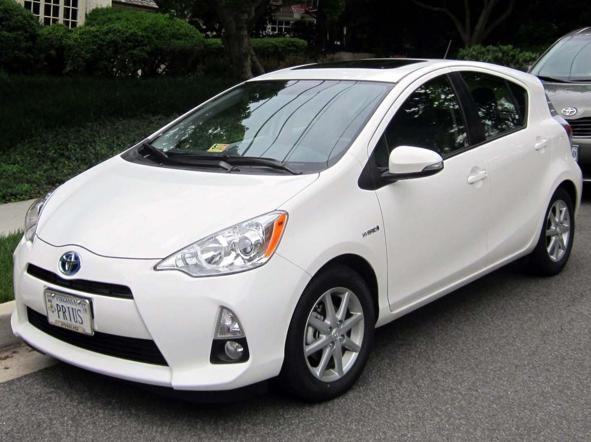 2012_Toyota_Prius_c_--_05-23-2012_2