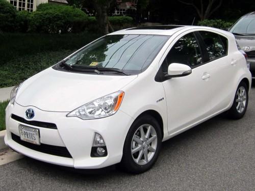 2012_Toyota_Prius_c_–_05-23-2012_2